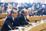 A gauche, Mohamed IKABROU (Directeur du Développement humain au Secrétariat général de l'UMA – l'Union du Maghreb Arabe) et à droite, Abdessatar MOUELHI (Professeur de droit, Université de Carthage – Tunis)