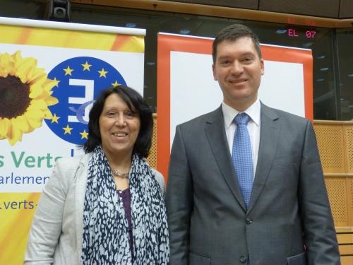 Malika Benarab-Attou (Les Verts/ALE) et Oleg Valjalo (Socialistes et Démocrates)